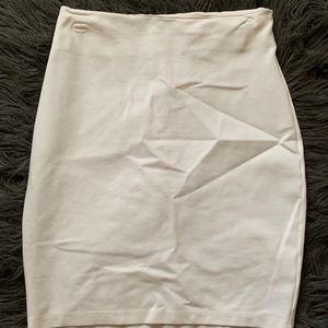 FashionNova White pencil skirt